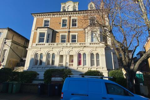 2 bedroom apartment for sale - Lower Meads, Eastbourne BN21