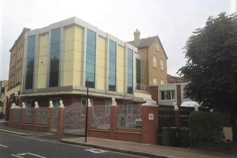 1 bedroom flat to rent - Lion Key House, High Road Leyton, London, E10