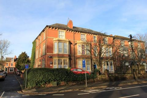 2 bedroom apartment - Penthouse Flat, Dudley House, 389 Mansfield Road, Carrington , Nottingham, NG5 2DG