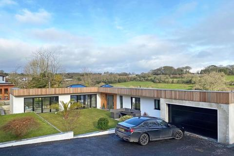 4 bedroom detached bungalow for sale - Budock Water, Nr. Falmouth, Cornwall