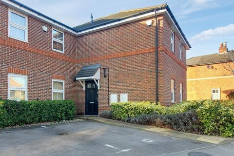 2 bedroom maisonette for sale - Ray Mill Place, Maidenhead