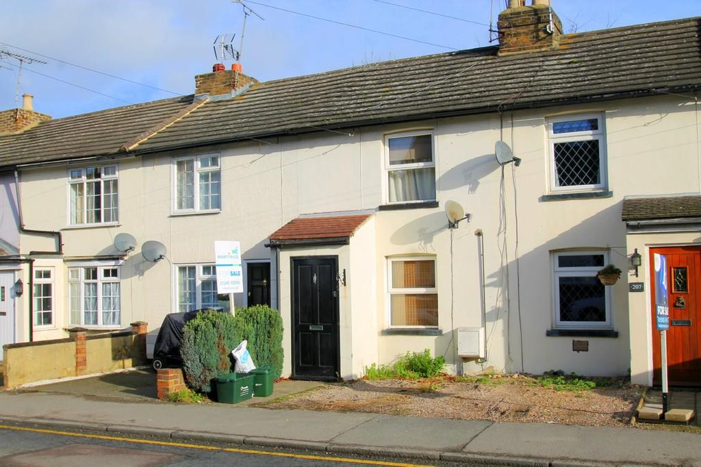 2 Bedrooms Terraced House for sale in Baddow Road, Chelmsford
