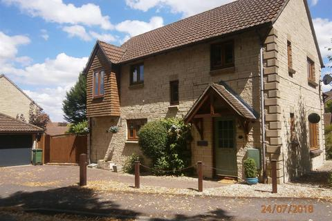 4 bedroom detached house to rent - Calne