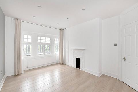 2 bedroom flat - Gilbert Street, Mayfair, London, W1K