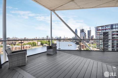 3 bedroom penthouse to rent - Nine Elms Lane London SW11