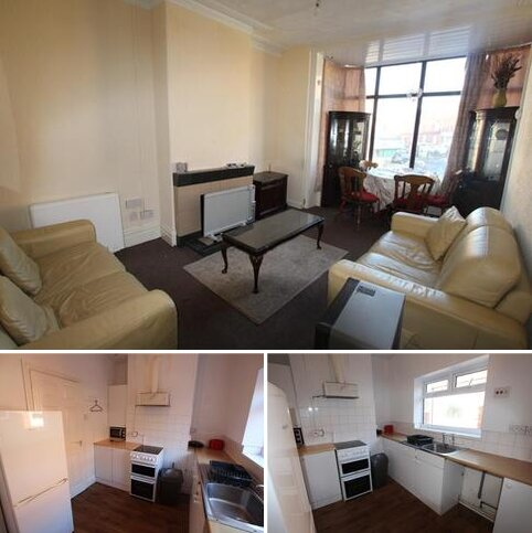 3 bedroom flat to rent - 55 Central Drive