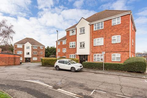 1 bedroom ground floor flat for sale - Butteridges Close, Dagenham, RM9