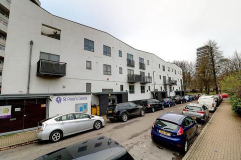 1 bedroom apartment for sale - Winstanley Road, London