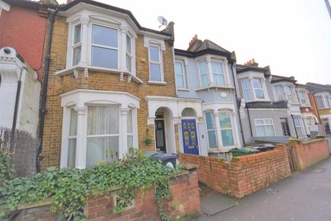 2 bedroom apartment for sale - Two Bedroom Victorian Conversion Flat, Forest Road, Walthamstow London E17