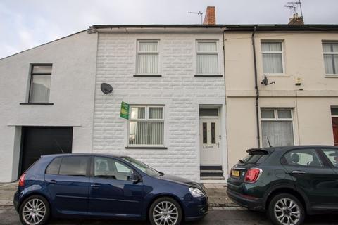 3 bedroom terraced house - Salop Street, Penarth