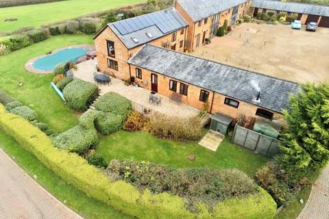 4 bedroom barn for sale - Thornton Road, Nash, Milton Keynes, MK17
