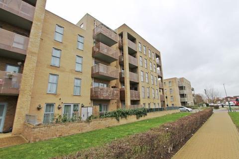 2 bedroom flat to rent - Rectory Park Avenue, Northolt