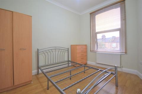 2 bedroom apartment to rent - Two Bedroom, First Floor Flat to Let , Lea Bridge Road, E10, (£1,200pcm)