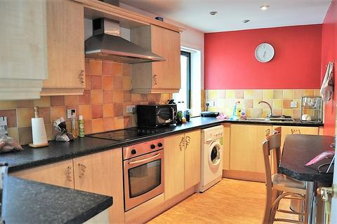 2 bedroom flat to rent - Crawhall Road, Newcastle Upon Tyne