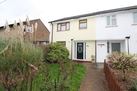 3 bedroom semi-detached house for sale - Wythenshawe Road, Dagenham