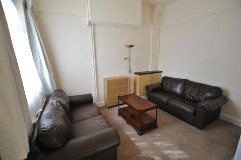 3 bedroom flat to rent - Dellfield Parade, Uxbridge
