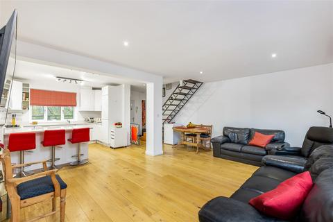 2 bedroom maisonette for sale - Lonsdale Road, Barnes, SW13