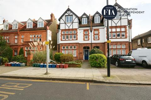 1 bedroom flat - Sutton Court Road, Chiswick