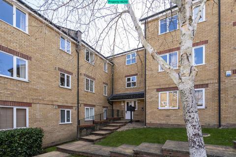 2 bedroom ground floor flat for sale - Kirkland Drive, Enfield, EN2 0RT