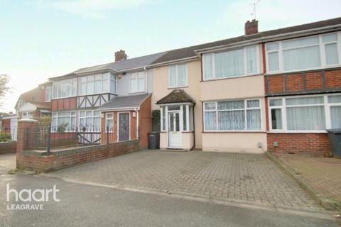 3 bedroom terraced house - Toddington Road, Luton