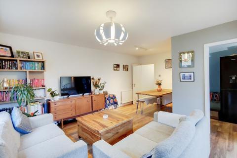 2 bedroom flat for sale - Geoffrey Road, Brockley, SE4