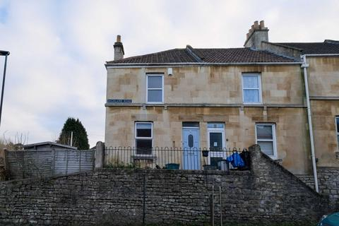2 bedroom end of terrace house to rent - Highland Road, Bath