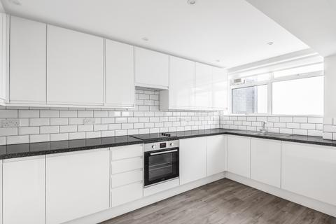 3 bedroom flat - Heronsforde London W13