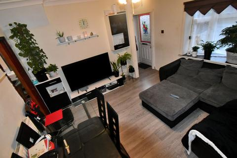 3 bedroom semi-detached house for sale - Whitgreave Street, West Bromwich, B70 9AZ