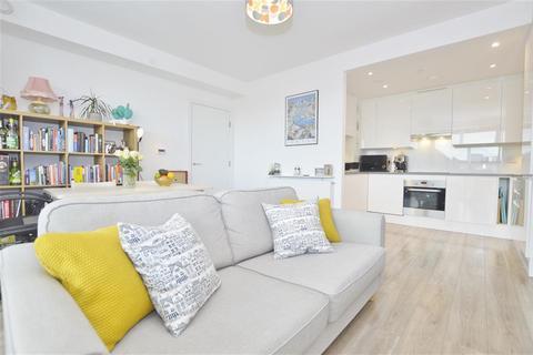 1 bedroom flat - Charles Darwin House, Minnie Baldock Street, London, E16 1YE