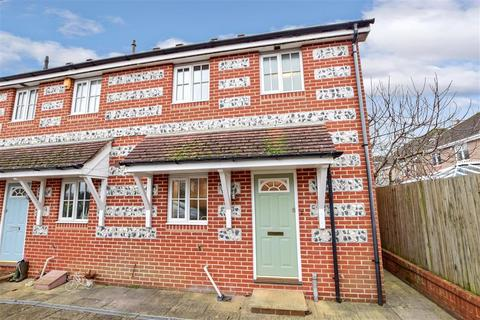3 bedroom end of terrace house for sale - Carse Road, Chichester, West Sussex