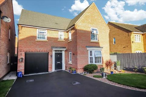 4 bedroom detached house for sale - Livia Avenue, North Hykeham, Lincoln