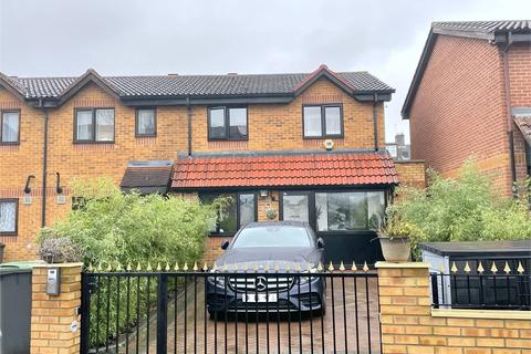 5 bedroom house - Cumberland Place, Catford, London,