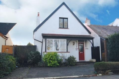 2 bedroom detached house for sale - OPPOSITE BONCHURCH PARK - LEIGH ON SEA