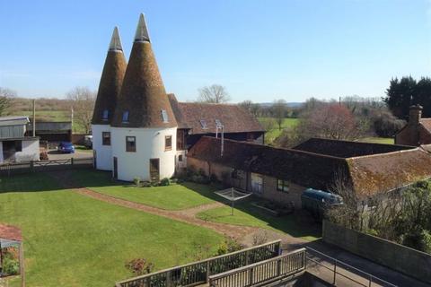 6 bedroom detached house for sale - Wagon Lane, Paddock Wood