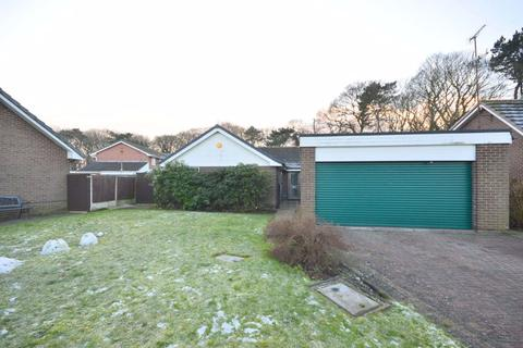 4 bedroom bungalow - The Dell, Liverpool