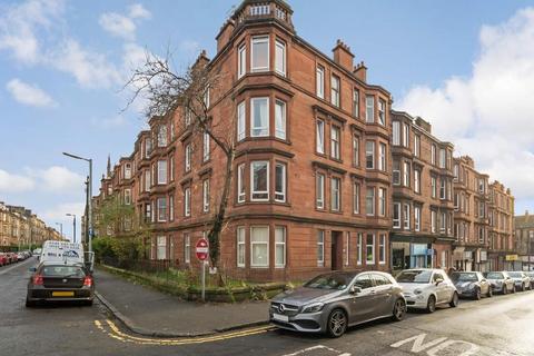 2 bedroom flat - Hillfoot Street, Dennistoun, G31 2LF