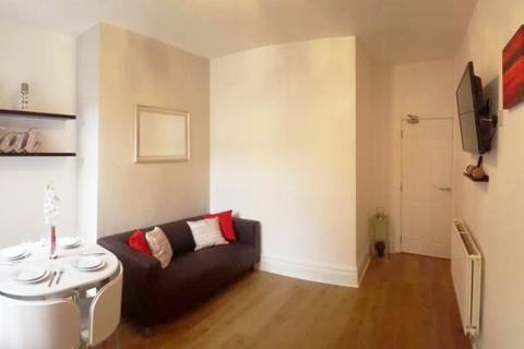 4 bedroom house share to rent - Elizabeth Street, Pendlebury, Swinton