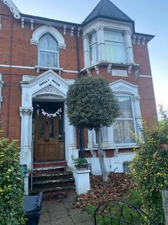 5 bedroom house for sale - Ferme Park Road, London
