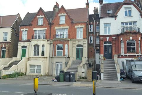 1 bedroom flat - Norwood Road, London