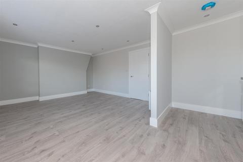 1 bedroom flat to rent - Rush Court, Bedford
