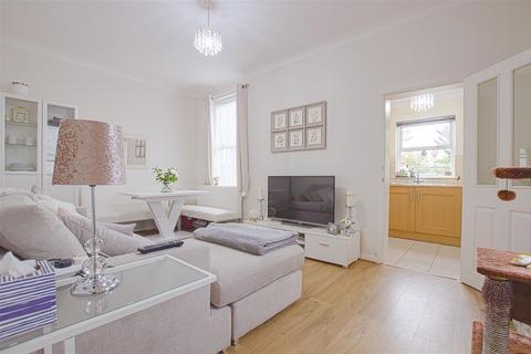 1 bedroom maisonette - St. Marks Road, Enfield