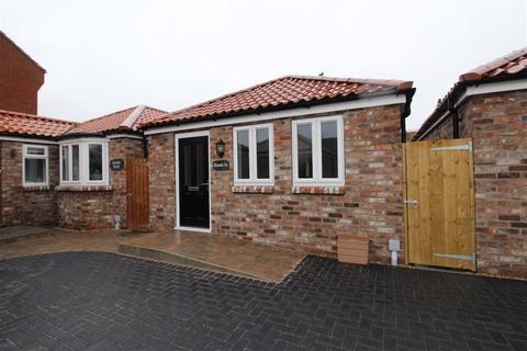 2 bedroom detached bungalow for sale - Old Barmston Road, Beverley