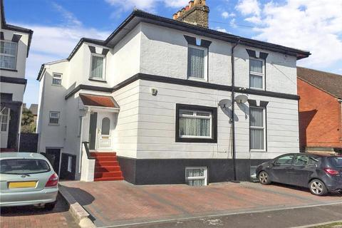 4 bedroom semi-detached house for sale - Cambrian Grove, Gravesend, Kent