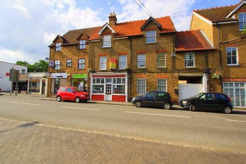 2 bedroom flat to rent - High Street, Iver, Buckinghamshire