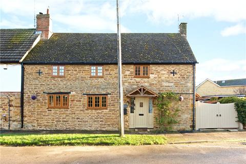 4 bedroom cottage for sale - Manor Road, Staverton, Daventry, Northamptonshire, NN11