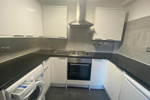 2 bedroom flat to rent - John Campbell Road  N16