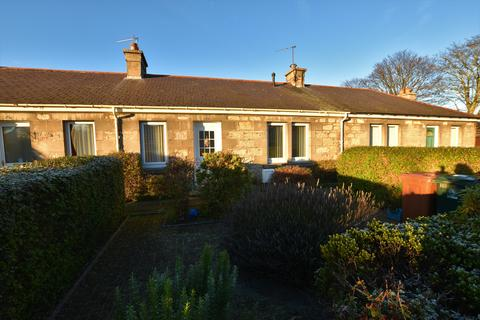 2 bedroom property - Roysvale Place, Forres