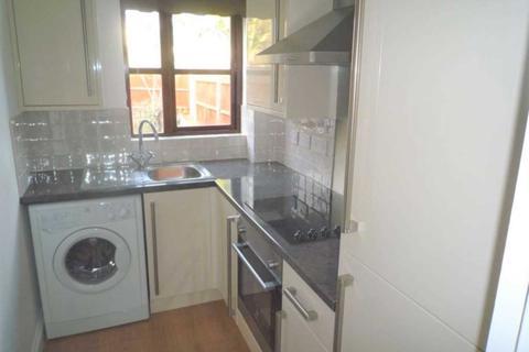 1 bedroom apartment to rent - Maypole Road, Gravesend