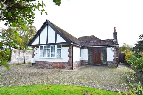 2 bedroom bungalow for sale - Tudor Close, Findon, Worthing, BN14