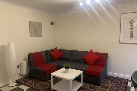 Maisonette to rent - Maidenhead,  Berkshire,  SL6